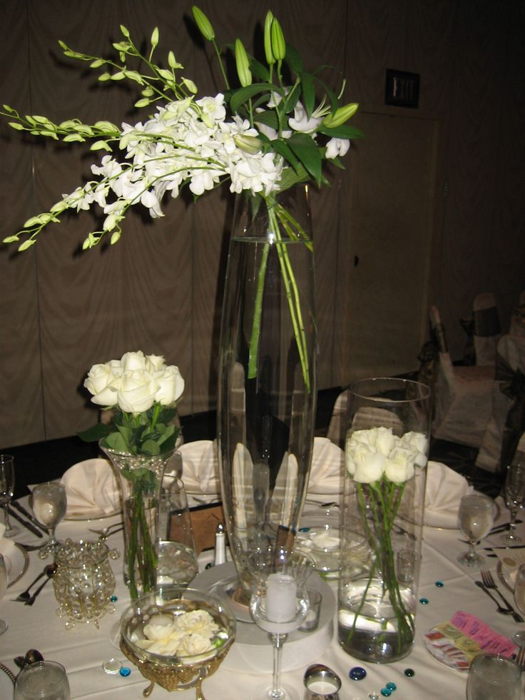 Artful style design with elegant flowers is the perfect choice for today's modern couples.
