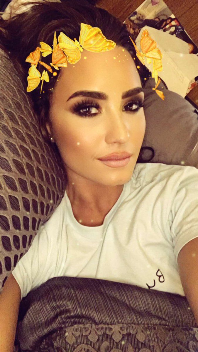 The 18 Best Celebrities To Follow On Snapchat - Bustle