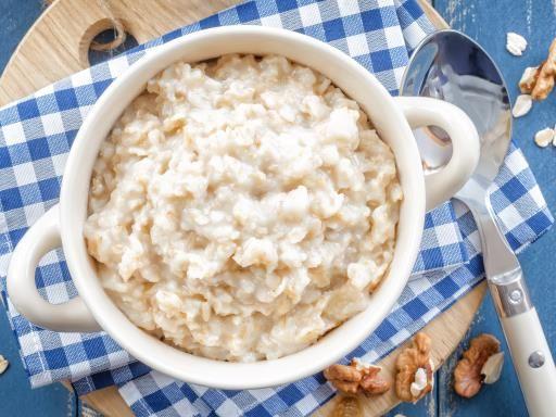 Porridge de flocons d'avoine au miel pour le petit-déjeuner #petitdej #vegetarien
