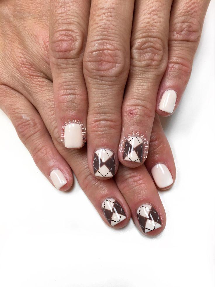 Festive nails. Christmas nails. Argyle nails. #PreciousPhan
