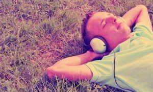 Αυτό είναι το πιο χαλαρωτικό τραγούδι που μειώνει έως και 65% το άγχος όσων το ακούνε - Αφύπνιση Συνείδησης