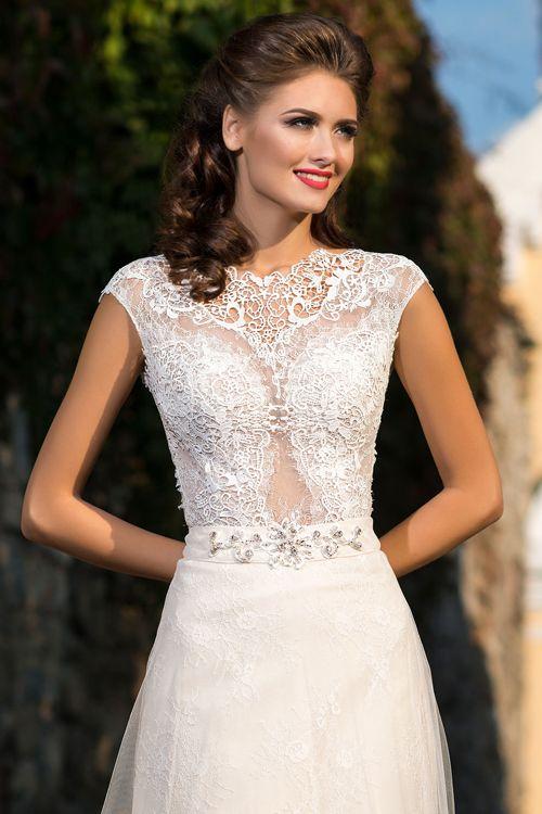 Svadobné šaty s priesvitným zvrškom