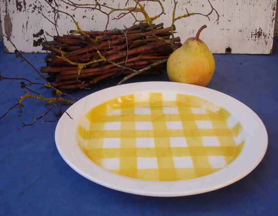 """Vintage Moulin du Vent Orchies classic French ceramic serving plate - yellow """"Nappe"""" pattern (also called """"Carreaux Ecossais"""", """"Vichy"""")"""