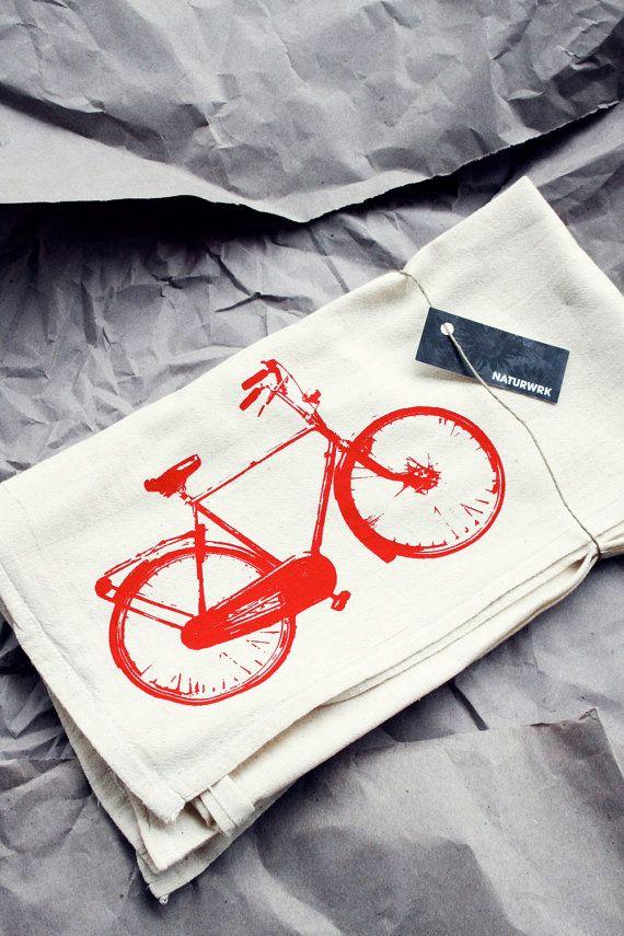 tea towel with red bike print - housewares - Eco-Friendly - cotton - natural - katoen - rode fiets - theedoek