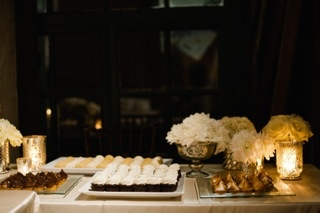 More PGB wedding cupcakes! Photography by Jenn & Dave Stark.