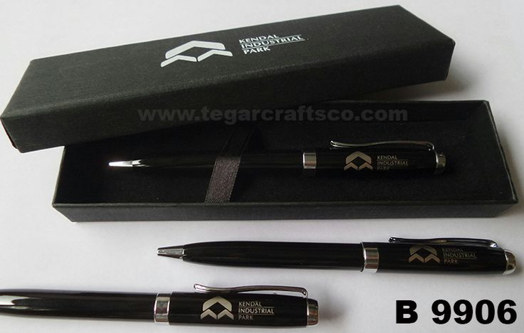 R9906, metal pens. A comfort and style combination to write. Deluxe box are optional.