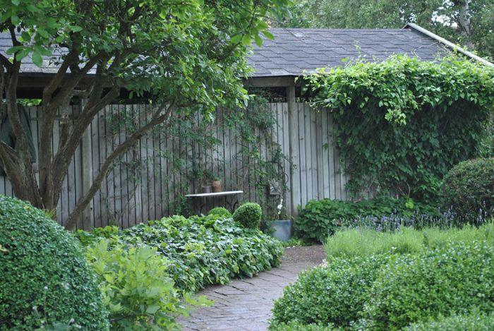 Jag låter bilderna tala för sig själv! Jag blev helt häntagen av denna underbara trädgård. Bild...