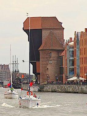 Żuraw - bohater wielu pocztówek, razem ze Studnią Neptuna i Bazyliką Mariacką - niekwestionowany symbol Gdańska. | #gdansk #sightseeing
