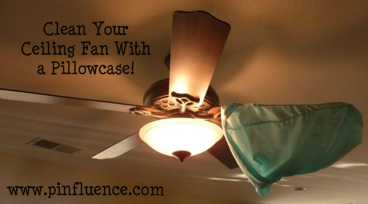 Clean your ceiling fan with a pillowcase!Pillows Cases, Cleaning Ceilings, Cleanses, Helpful Hints, Ceiling Fans, Awesome Ideas, Ceilings Fans Blade, Dust Sprays, Spring Cleaning