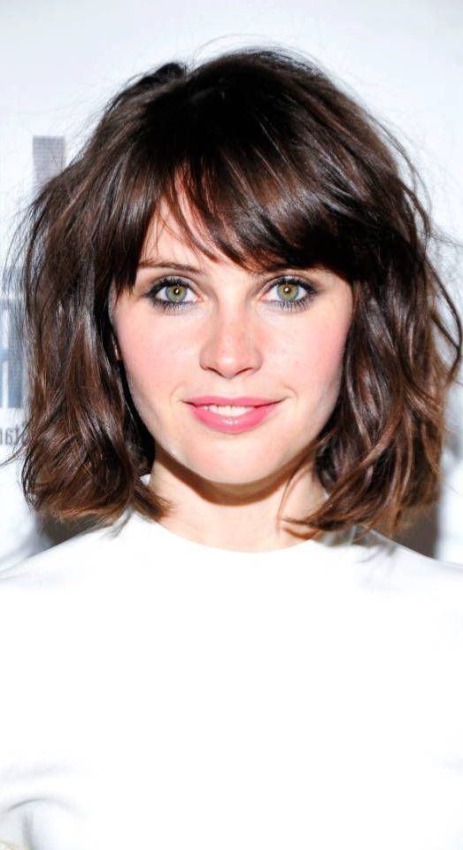 38 Short Layered Bob Haircuts with Side Swept Bangs That ...