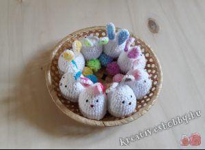 Horgolt nyuszis tojástakaró - ingyenes mintaleírás a Kreatív+Hobby-tól