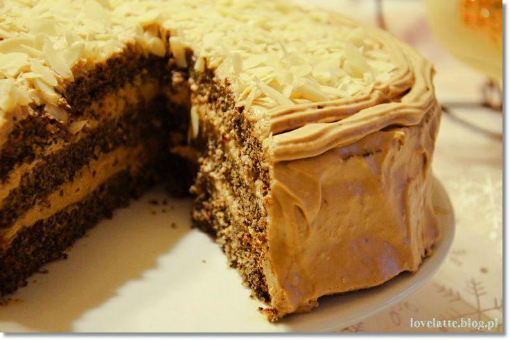 Tort makowo - kawowy / poppy & coffee cake  przepis: http://lovelatte.blog.pl/2014/01/05/noworoczny-tort-makowo-kawowy/