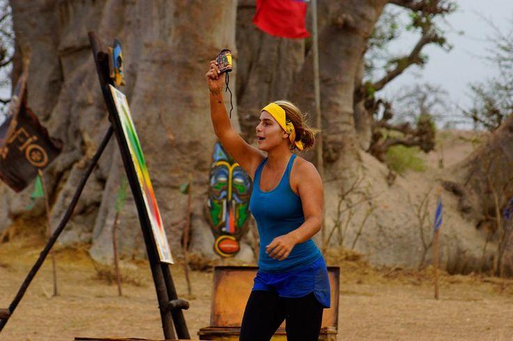 Mira el Desafio Africa 2013 Caracol tv Carolina un ave feliz que resucita entre los muertos y de nuevo elimina a su rival Viva la radio television  conectate aqui... http://www.vivalaradiotelevision.com/#!especiales-en-vivo/c7in