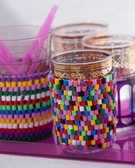 Farverige glasholdere i Hamaperler