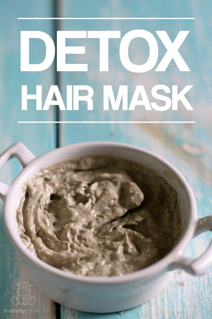 Detox hair mask using only 4 ingredients, including bentonite clay, aloe Vera gel, and Apple cider vinegar.