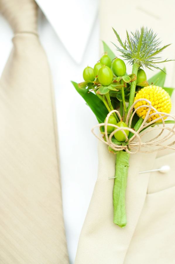 17 best images about wedding boutonnieres flowers for men grooms gay wedding on pinterest. Black Bedroom Furniture Sets. Home Design Ideas