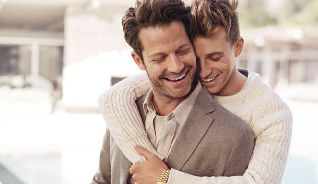 Banana Républic a réaliser une campagne avec un couple homosexuel... La tendance est donc à la tolérance et l'ouverture d'esprit !  http://www.youngandstyle.fr/banana-republic-realise-une-campagne-de-publicite-avec-un-couple-homosexuel--783#sthash.UFU9J2IK.dpuf