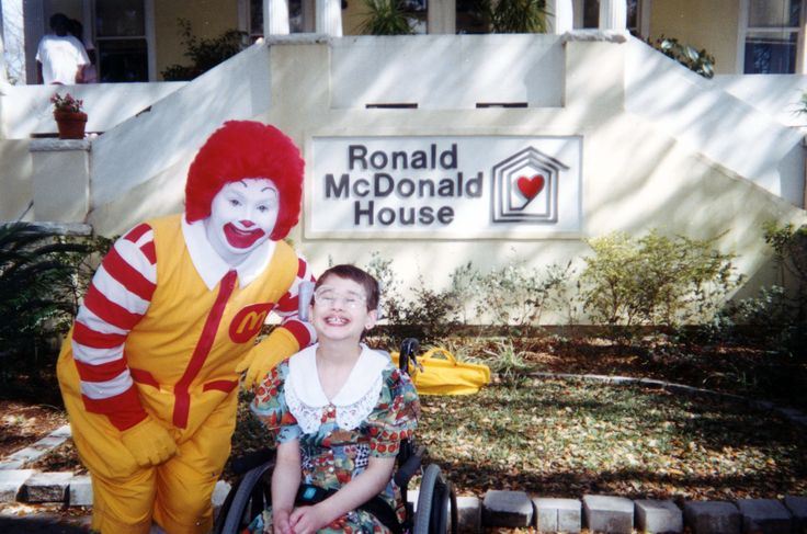 """New Orleans Ronald McDonald House""でボランティアをしたときの写真です."