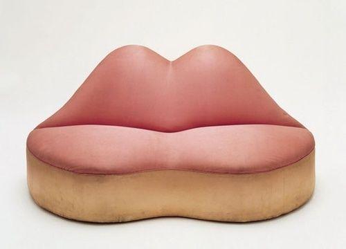 "Salvador Dalí: ""Mae West Lips""-sofa (1936-1937)."