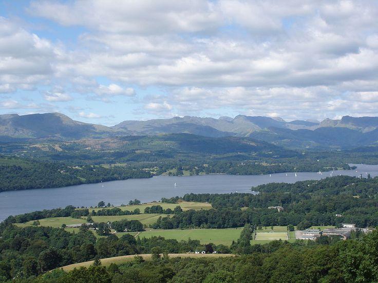 Comitatul Cumbria din nordul Angliei include lacul Windermere care după toate probabilităţile este un lac teluric unde se manifestă apariţii mistice stranii. În această vale tenebroasă şi ceţoasă au loc» Citește mai mult