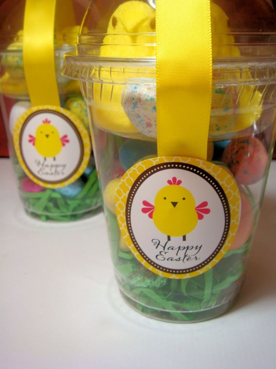 Easy DIY Easter Baskets/ treat container: Diy Easter Basket, Easter Diy, Treat Container, Easter Holiday, Easter Gift, Easter Baskets, Easy Diy, Easter Treats, Easter Ideas