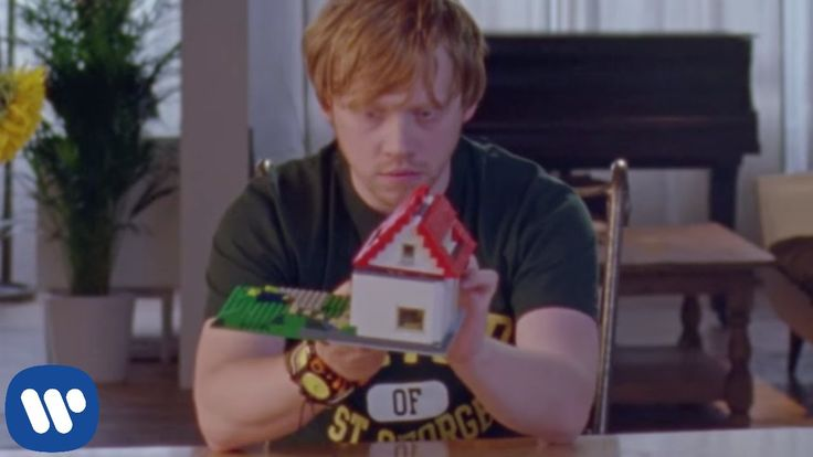 Ed Sheeran - Lego House [Official Video] I freakin' love this