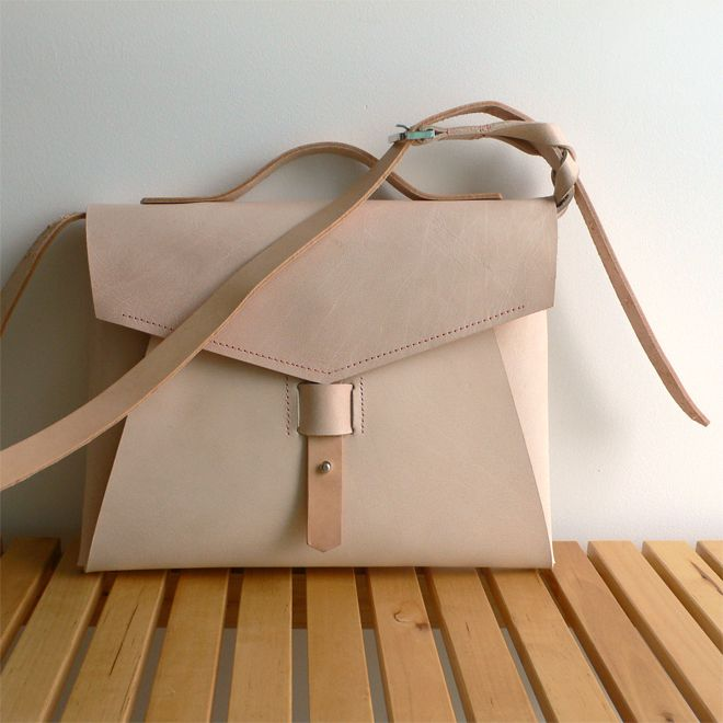plum bag · 100% leather http://marieladias.blogspot.pt