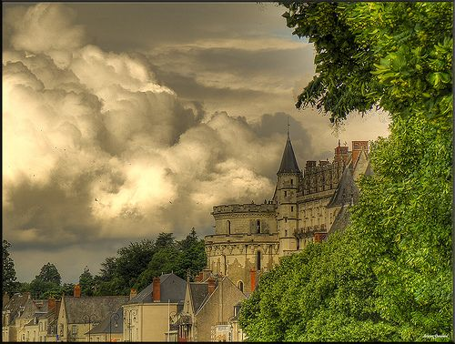 Amboise le chateau by @lain G, via Flickr