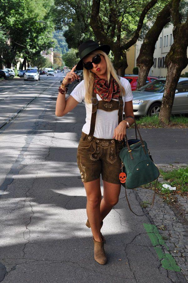 Aufsteirern Graz, Dirndl, Lederhosen, traditional Austrian clothes