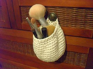 small hanging basket - free pattern