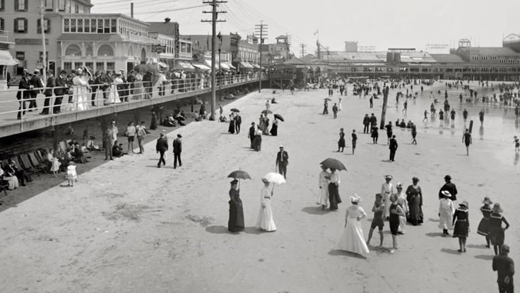 Набережная и пляж Атлантик-Сити в 1925 году.  #история #США #Америка #ретро
