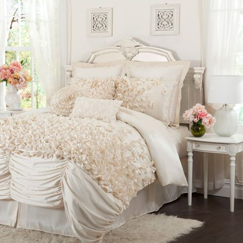 Gorgeous ruched and ruffled bedding. Wishing it came in a soft grey