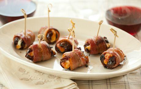 Bacon Manchego Dates | WholeFoodsMarket.comFun Recipe, Whole Food Marketing, Blue Chees, Dates, Bacon Manchego, Food Bacon, Whole Foods, Appetizers, Bacon Wraps