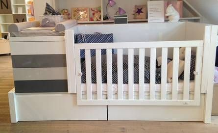 die besten 17 ideen zu babybett mit wickelkommode auf pinterest babybett und wickelkommode. Black Bedroom Furniture Sets. Home Design Ideas