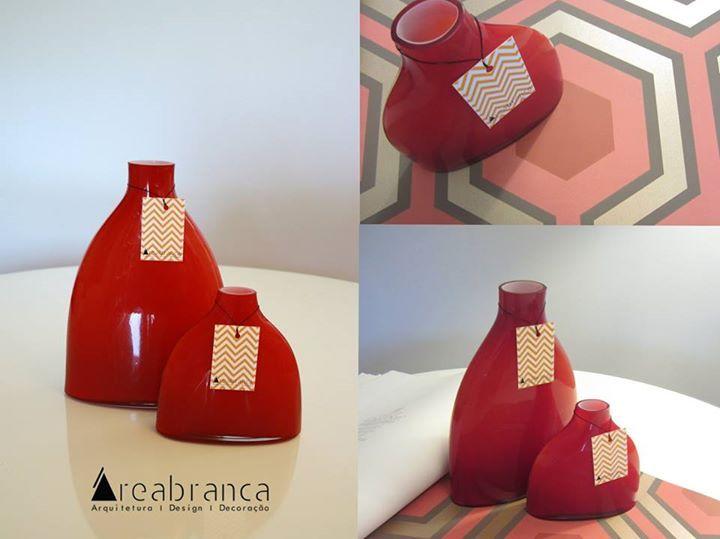 Jarra vidro vermelha, maior - 31,50** Jarra vidro vermelha, mais pequena - 24,50**  *Se preferir receber por correio, + portes de envio
