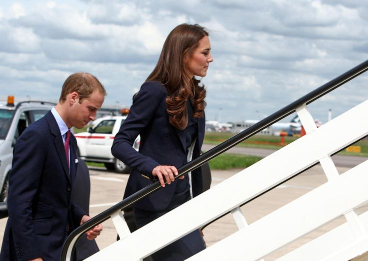William & Kate Smythe Les Vestes Navy Blazer & Roland Mouret Shift Dress Tour Of Canada 30 June 2011