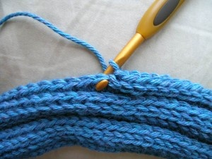 knit looking infinity scarf
