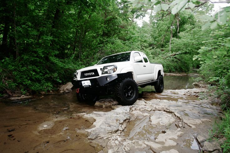 Excellent looking Tacoma.
