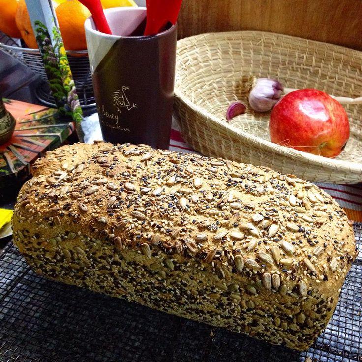 Prueben este pan integral básico hecho con levadura para quienes aún le temen a la masa madre.