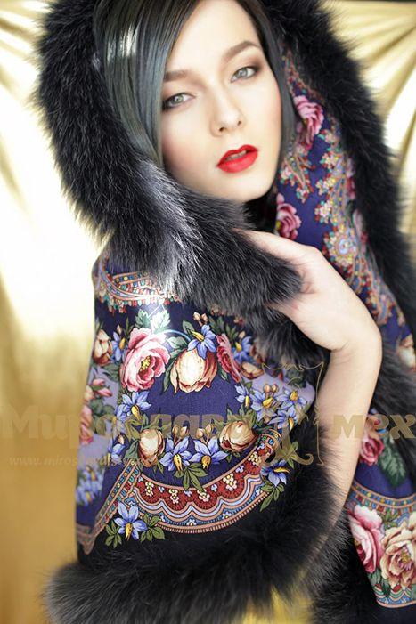 Платок с мехом песца - русские мотивы в современном стиле.