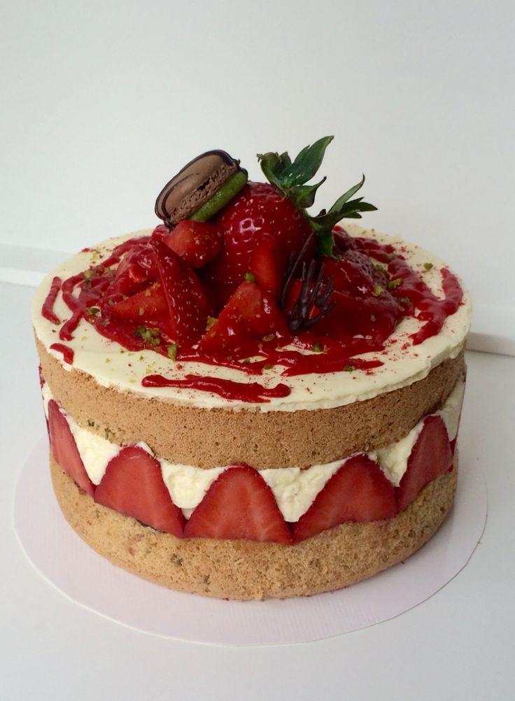 Erdbeere Biskuit Buttercreme | Kuchen. Backen. Dessert ...