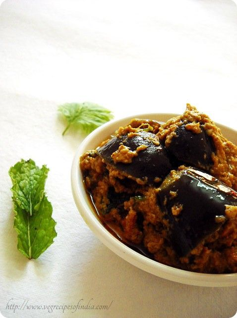 bharli vangi recipe, how to make bharli vangi | stuffed brinjals