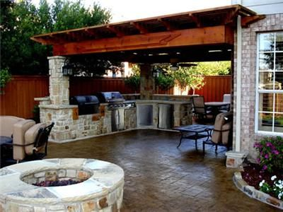 Outdoor kitchen ideas. How to incorporate the fence into the design.