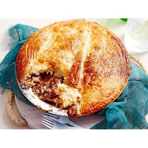 Our Steak Diane Pie recipe with the same flavours of the sauce, in a meat pie. This filling recipe has a golden pastry crust and meat (beef) centre.