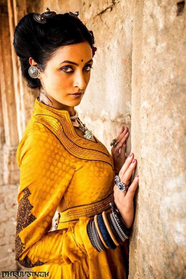 Dhruv Singh for Summer Resort 2013....I'l have all the jewellery please...