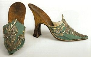 Lady's mule slippers with long, narrow Continental toe, early 18th century (source ?)