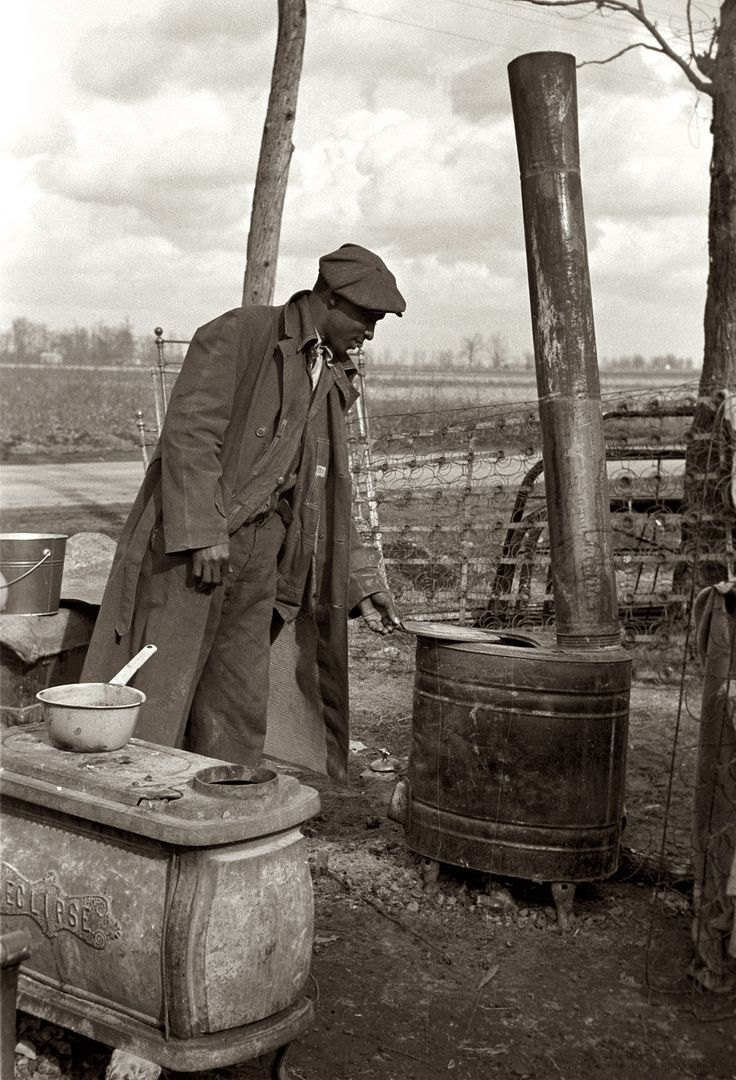 January 1939. An evicted sharecropper among his