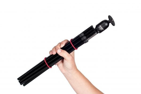 The Folding Tripod - An on-the-go tripod that folds up for easy carrying. ($49.00, http://photojojo.com/store)