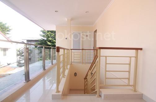 KK 42/28 Residence stairs