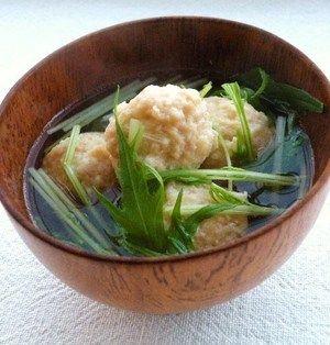 えのき入り鶏団子と水菜のスープ by kachimachiさん :  えのき入りの鶏団子は食べ応えもバツグン!フードプロセッサーを使えば時短になってオススメです